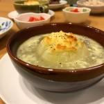 和風出汁でオニオングラタンスープ風
